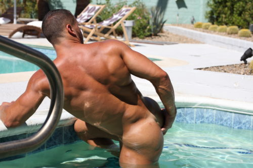 hot tub bodybuilder naked ass play